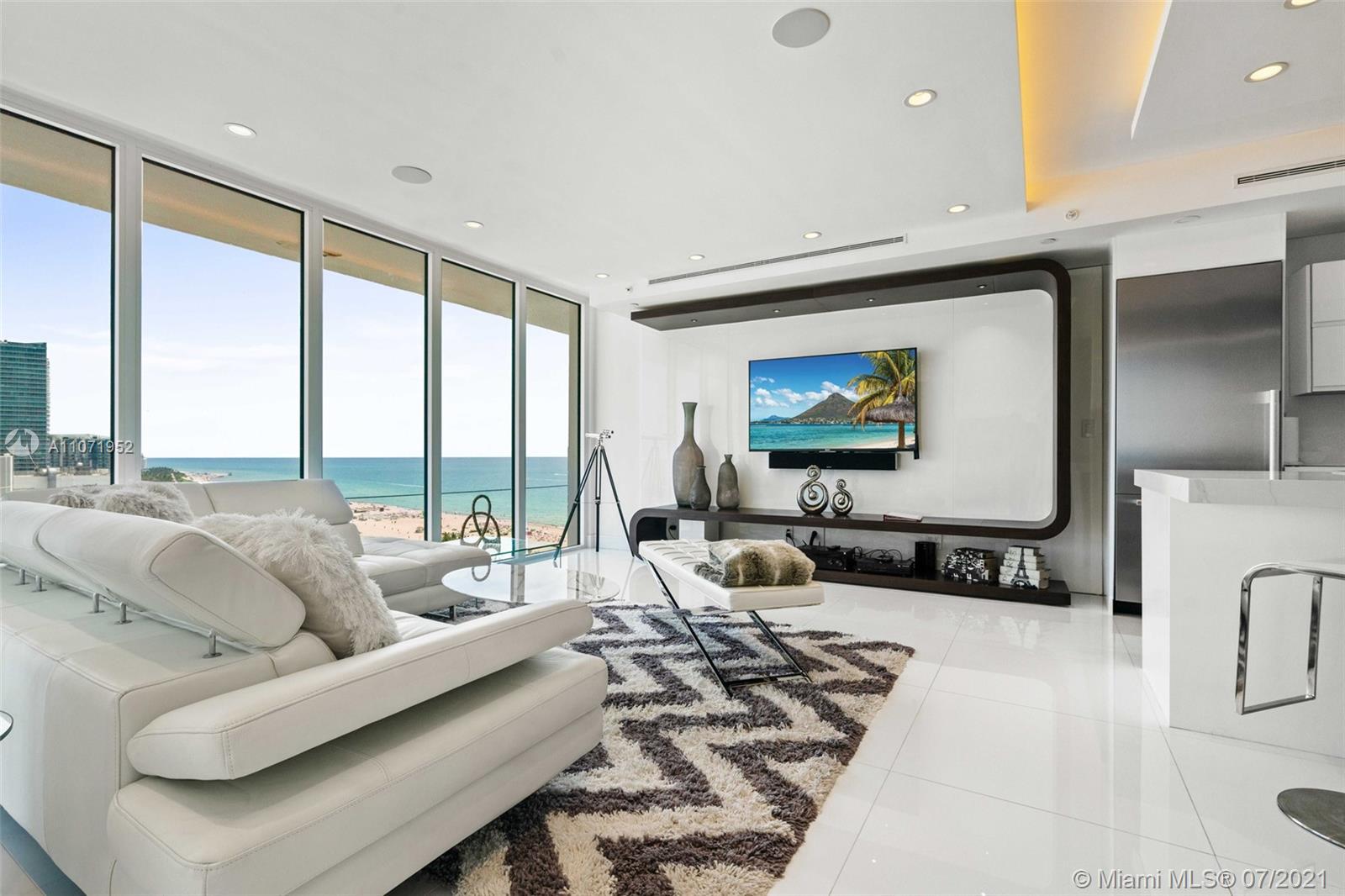 Decoplage #PH6 - 100 Lincoln Rd #PH6, Miami Beach, FL 33139