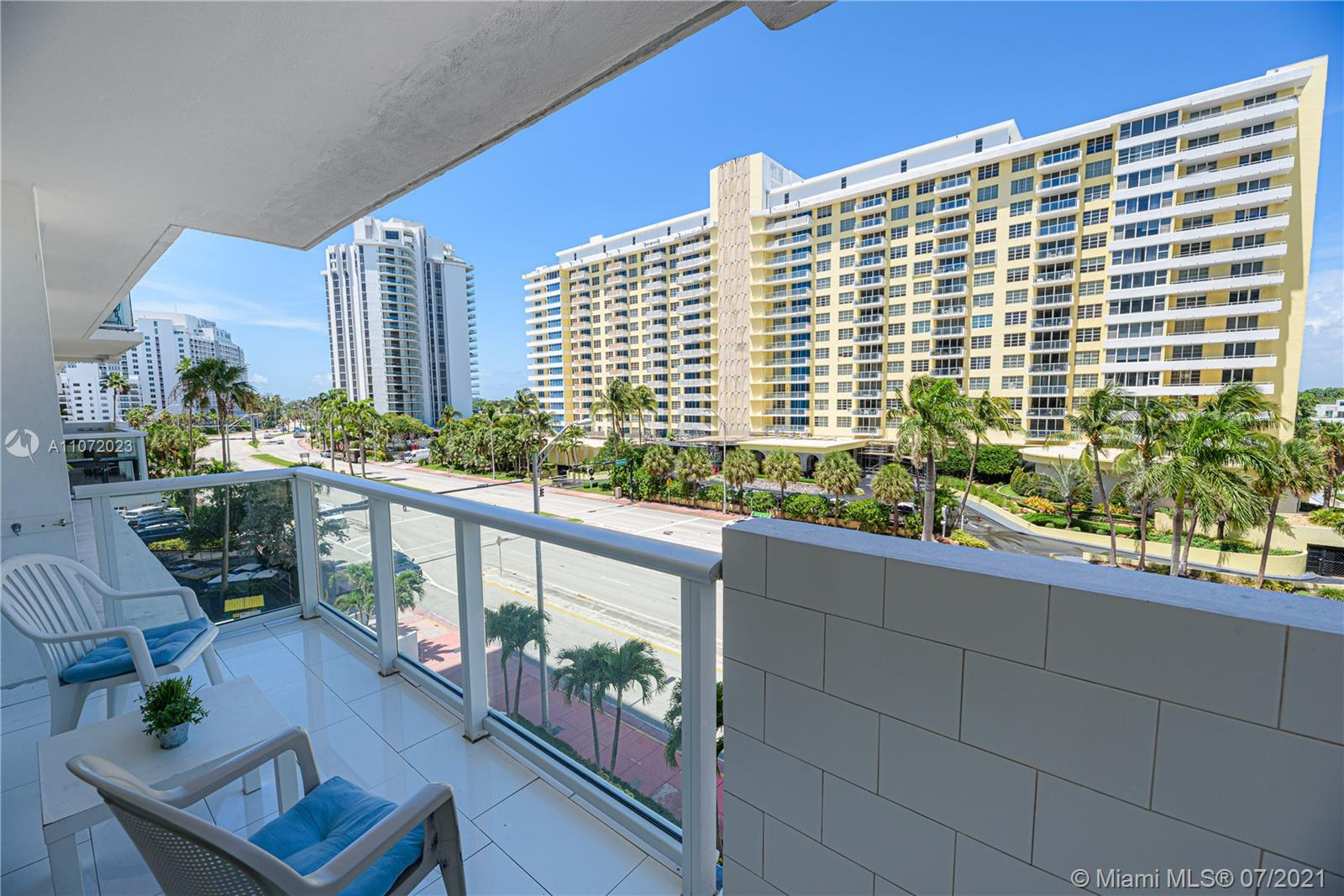 5601 Collins Ave #516 photo042