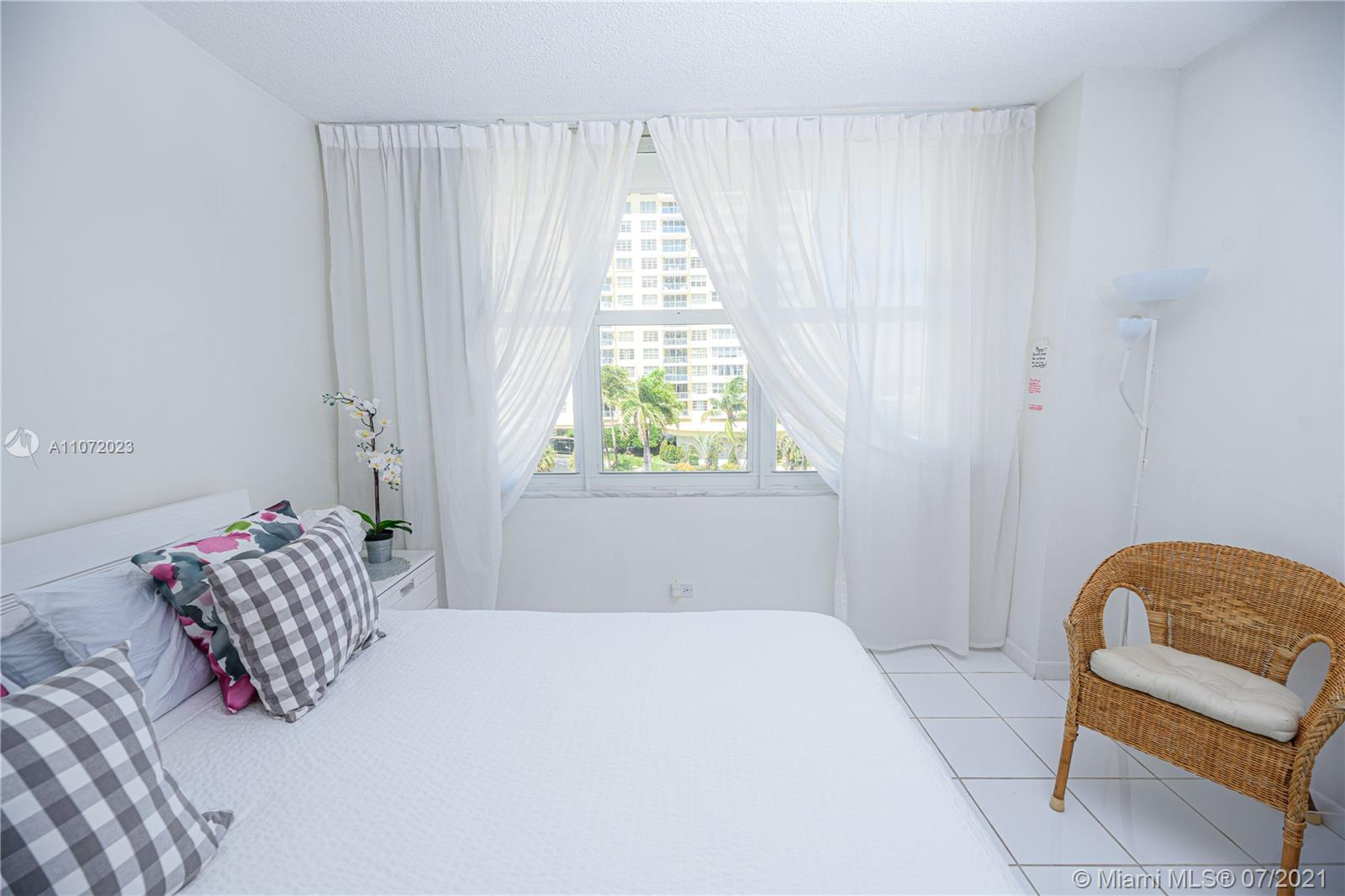 5601 Collins Ave #516 photo018