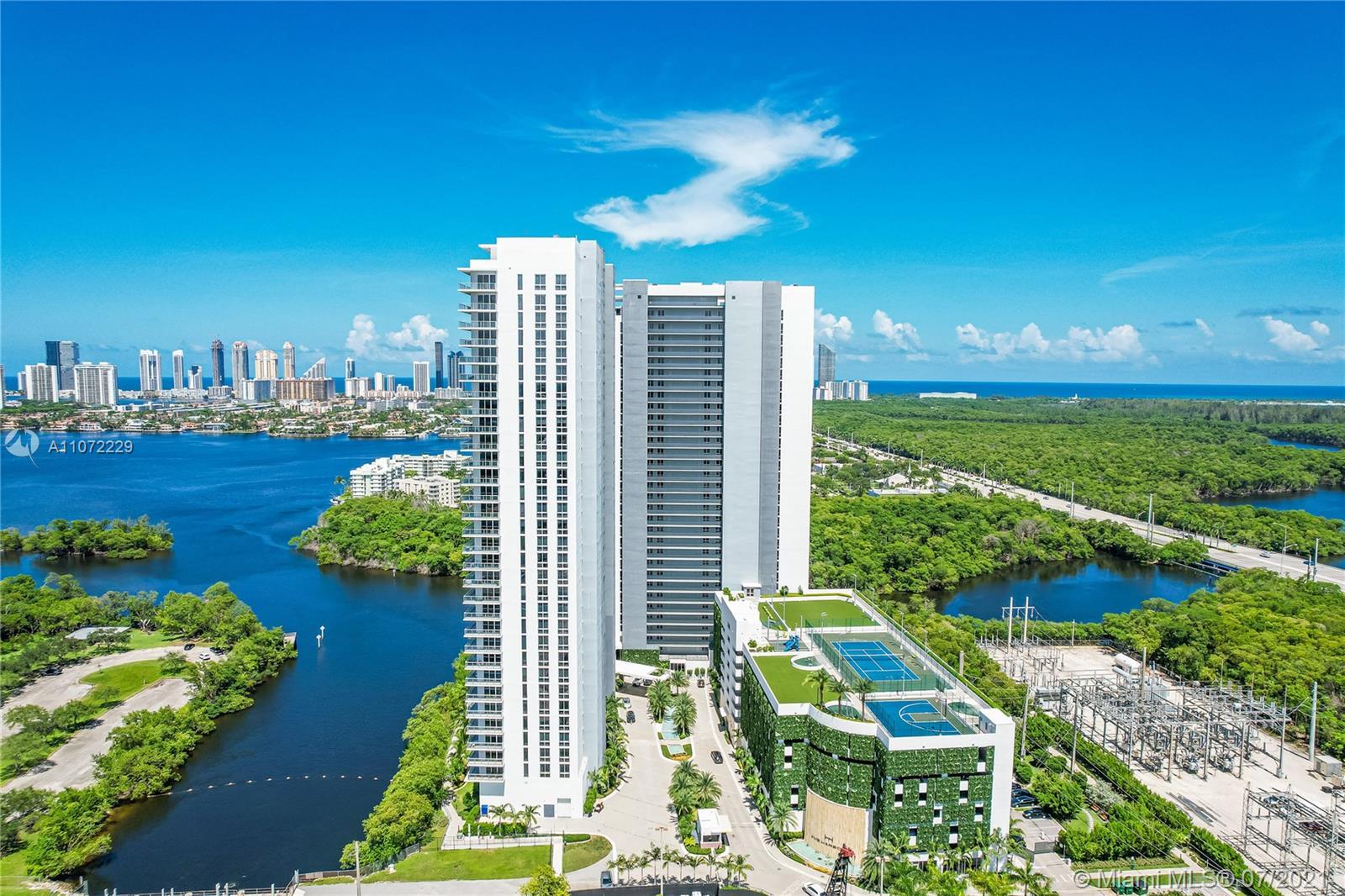 The Harbour #1704 - 16385 Biscayne Blvd #1704, North Miami Beach, FL 33160