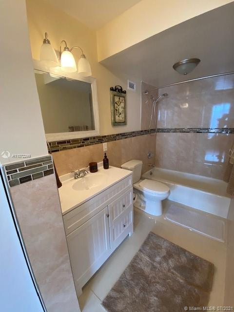 2899 Collins Ave #442 photo021