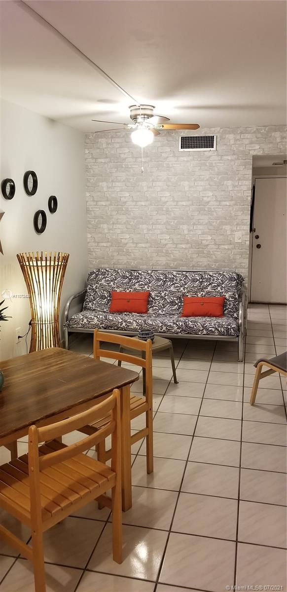 2899 Collins Ave #1120 photo04