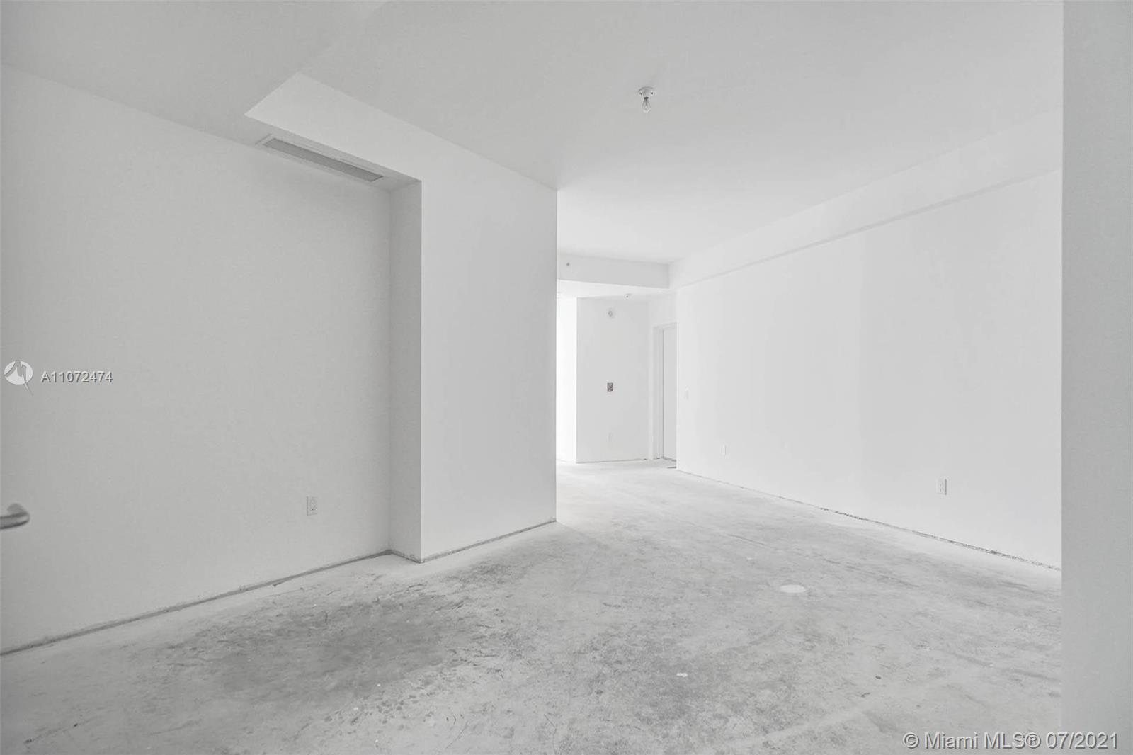 18555 Collins Ave #3703 photo035
