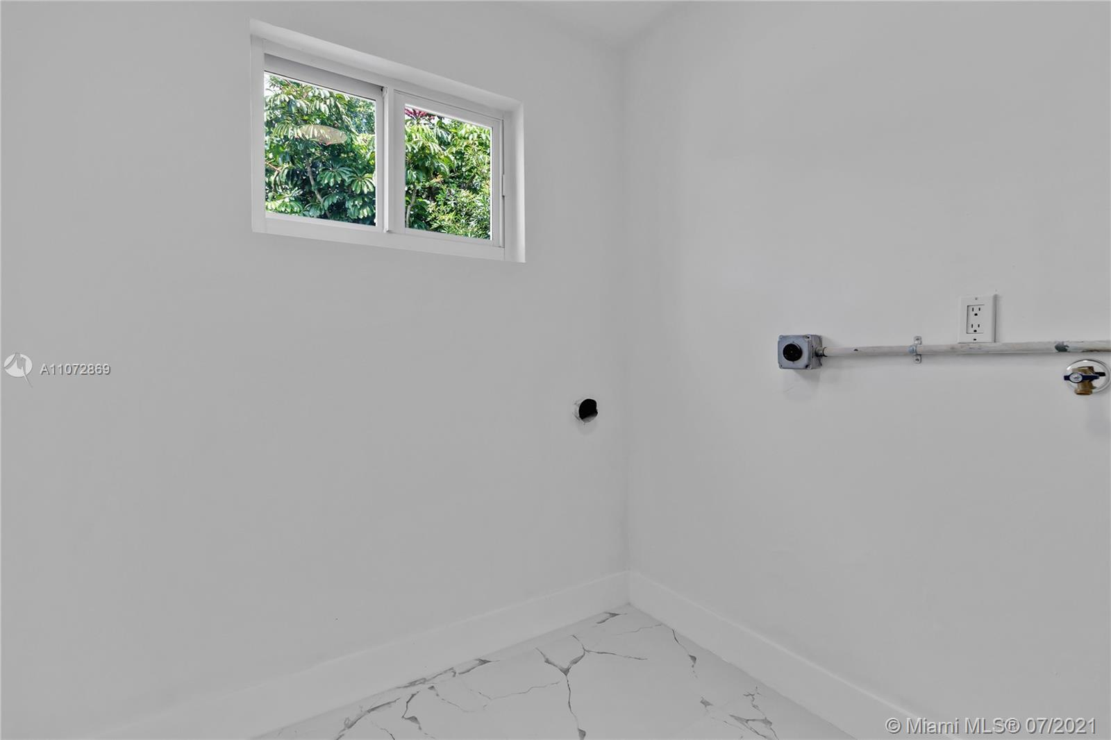 1251 NW 60th Ave photo015