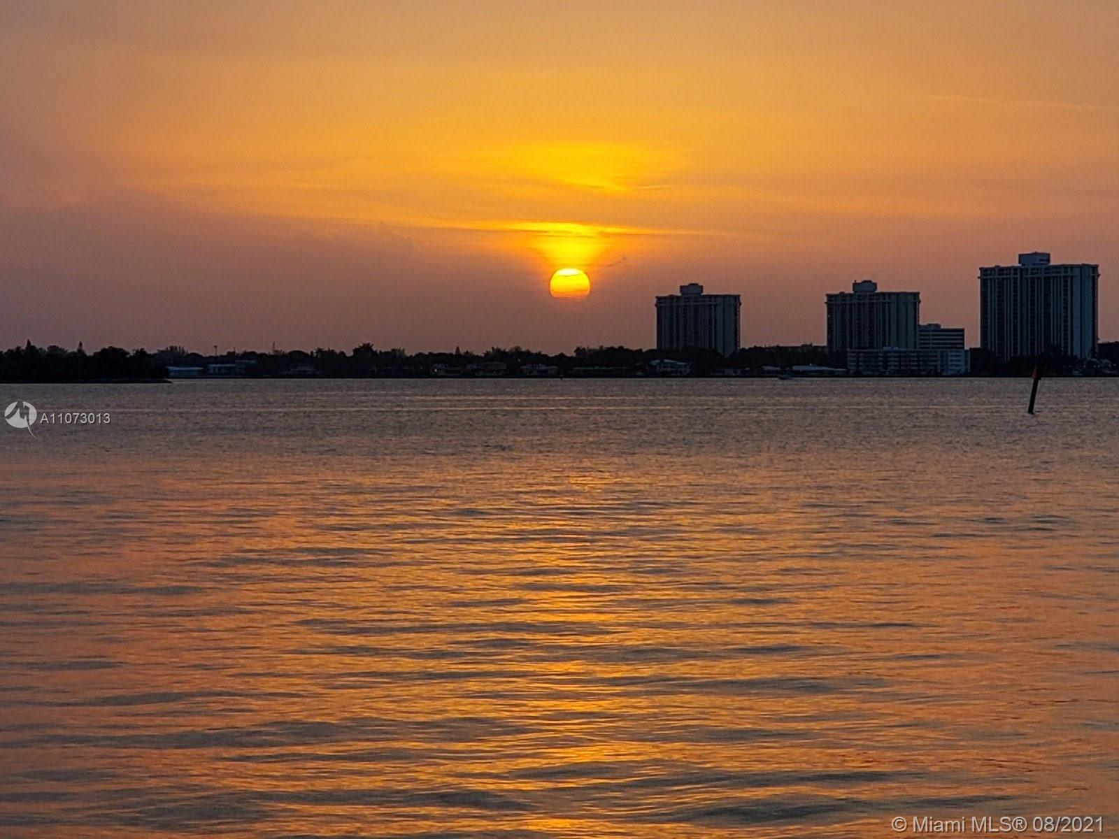 873 N Shore Dr photo05
