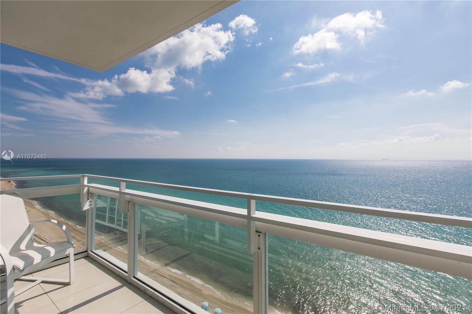 Carillon Hotel Tower #LPH04 - 6801 Collins Ave #LPH04, Miami Beach, FL 33141