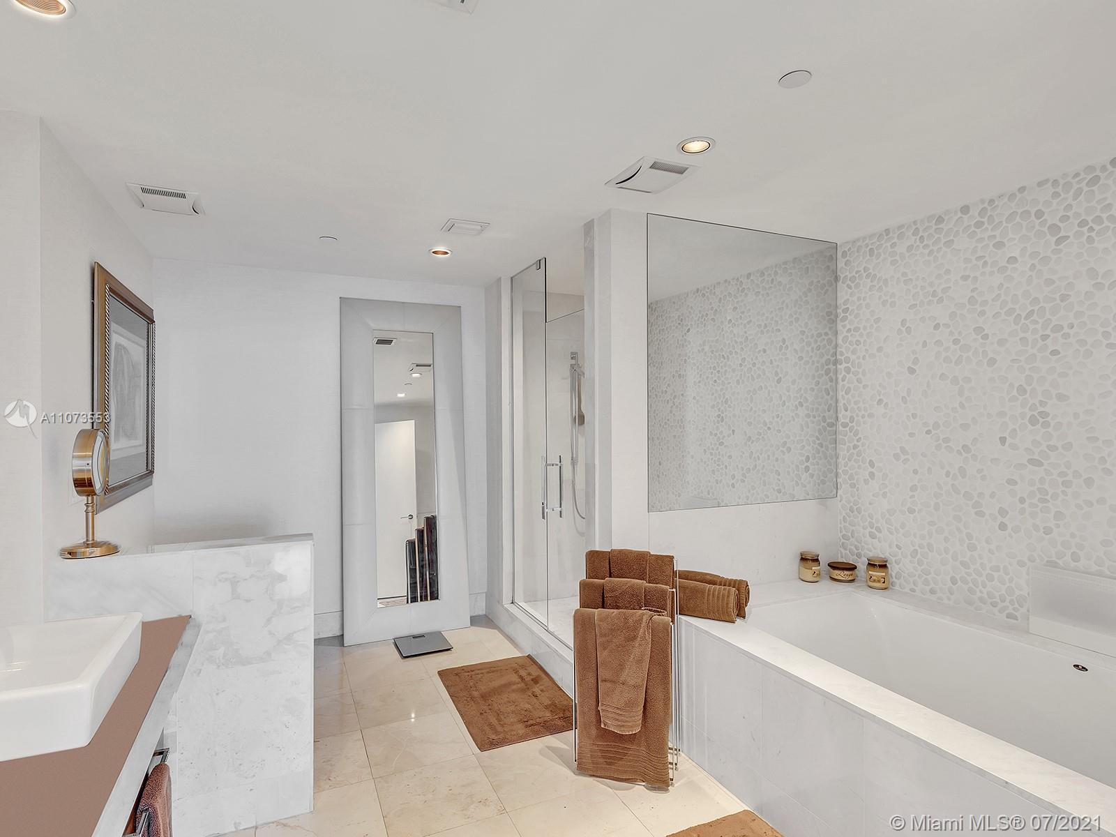 17121 Collins Ave #2901 photo058