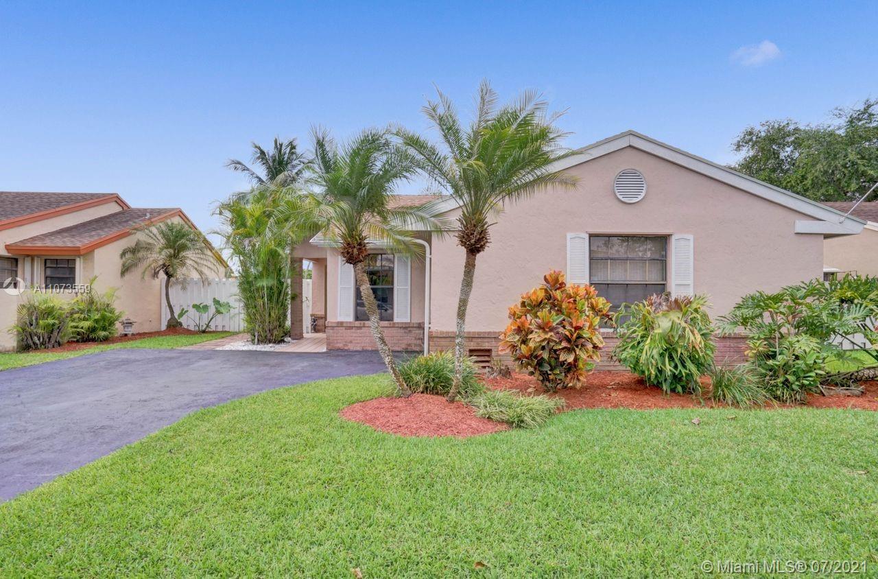 Shenandoah - 13740 Oak Ridge Dr, Davie, FL 33325