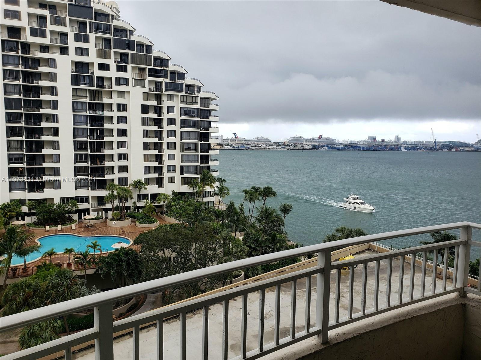 Isola #907 - 770 Claughton Island Dr #907, Miami, FL 33131