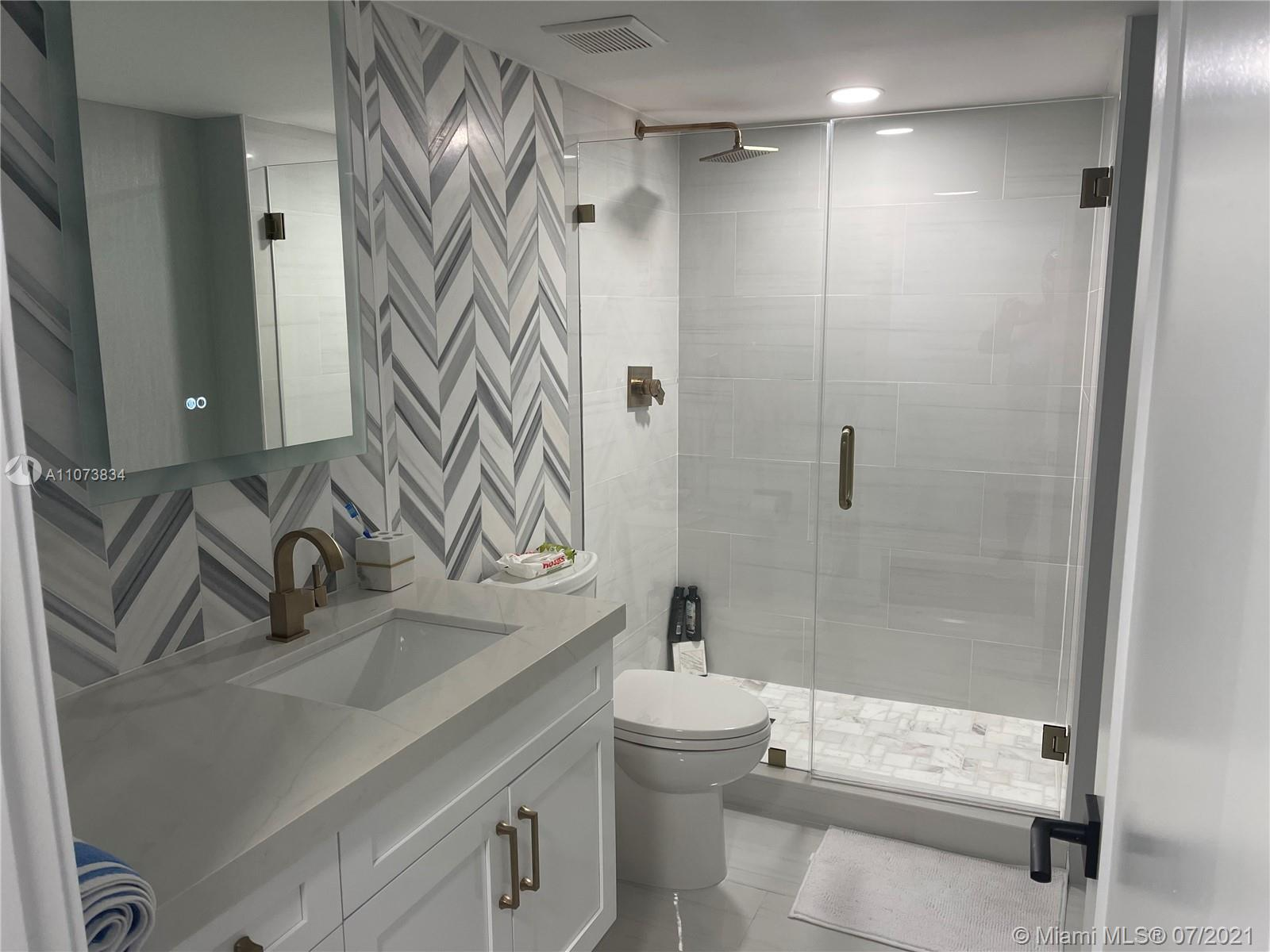 2555 Collins Ave #1409 photo018