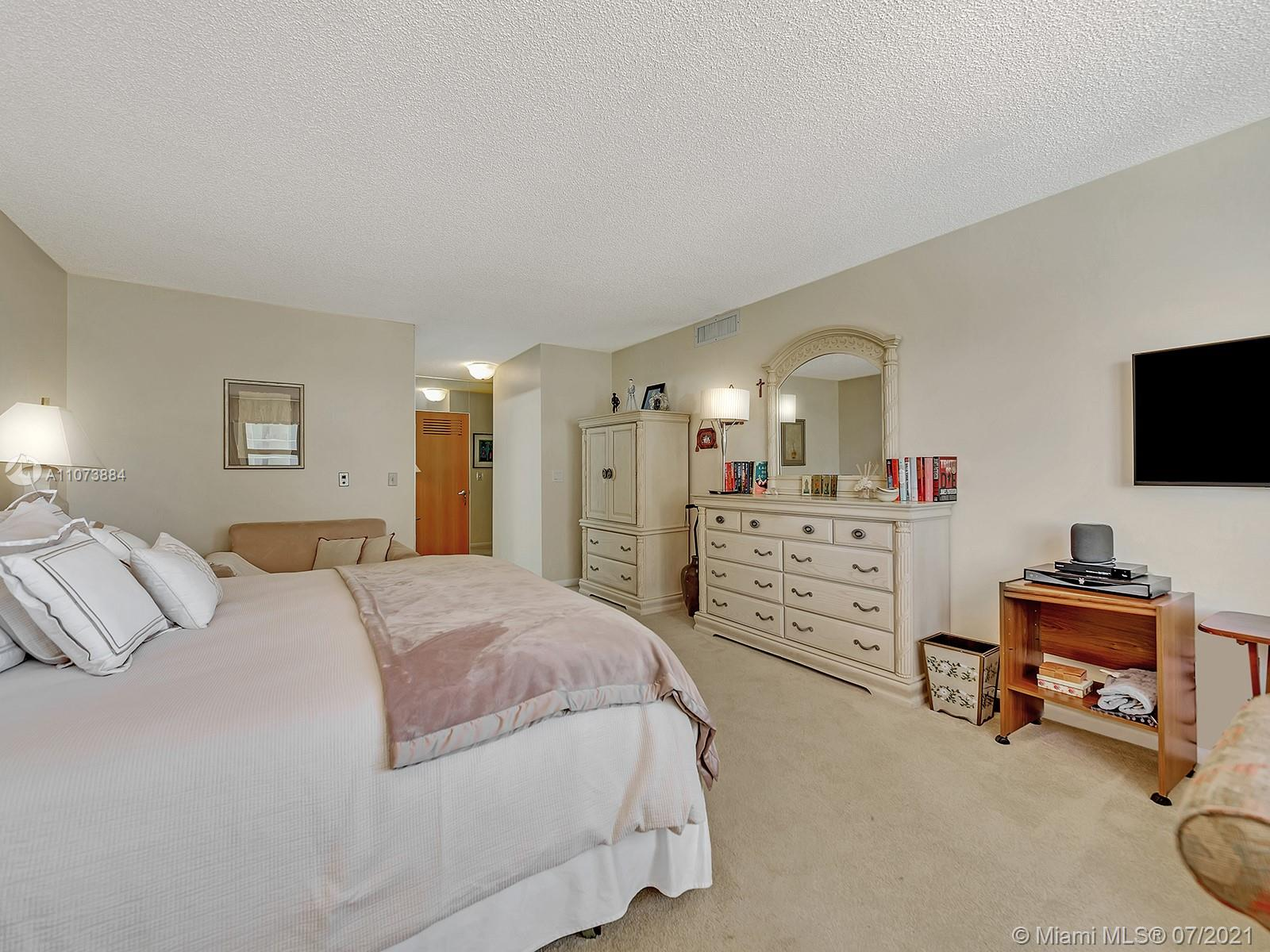 9801 Collins Ave #6Z photo052