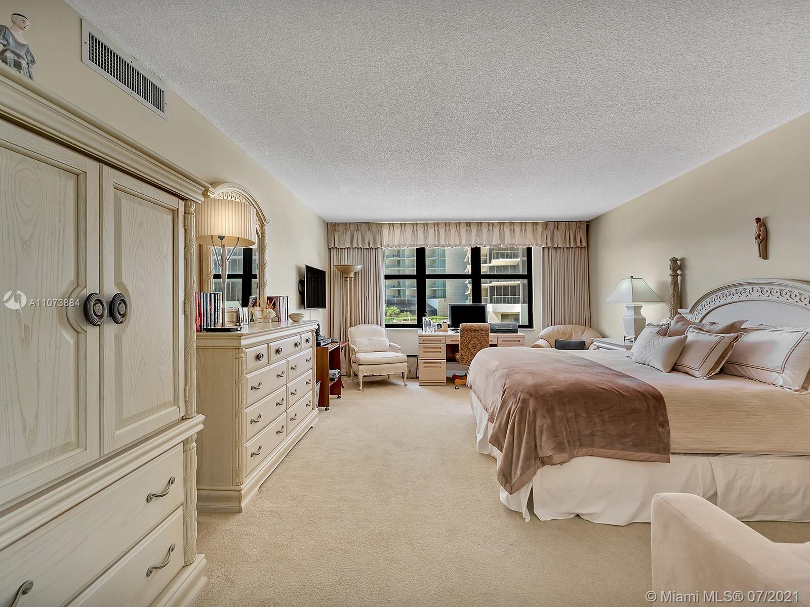 9801 Collins Ave #6Z photo033