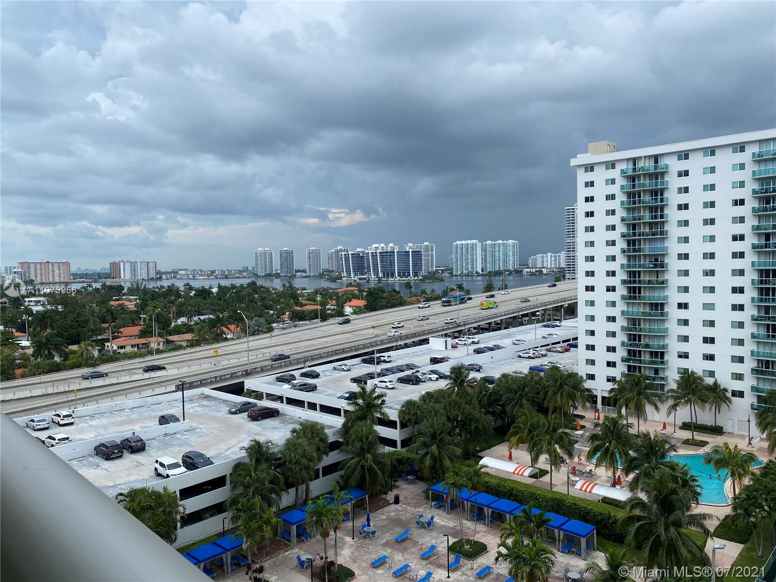 19370 Collins Ave #1012 photo06