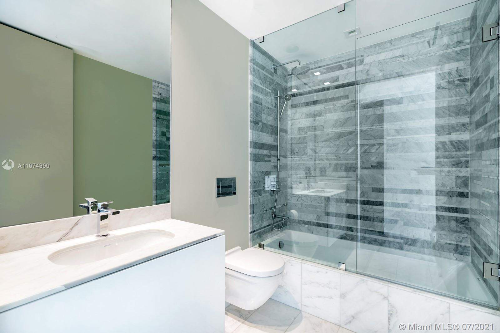 10203 Collins Ave #1403 photo020