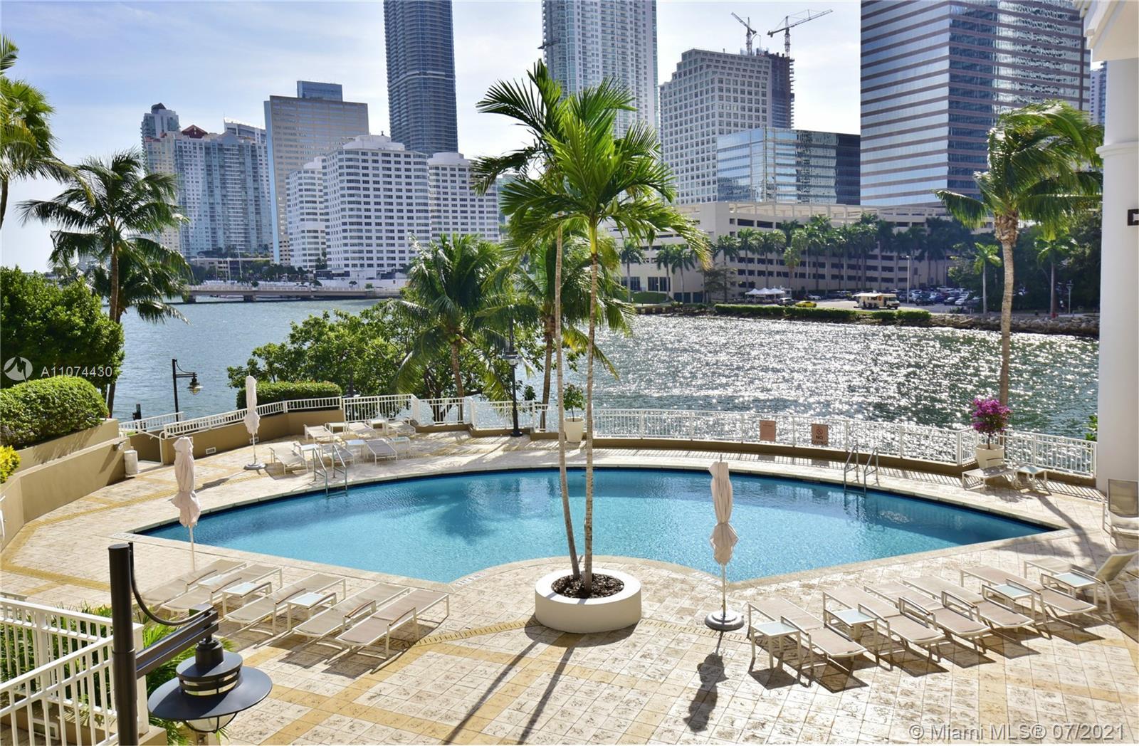 Courts Brickell Key #1810 - 801 Brickell Key Blvd #1810, Miami, FL 33131