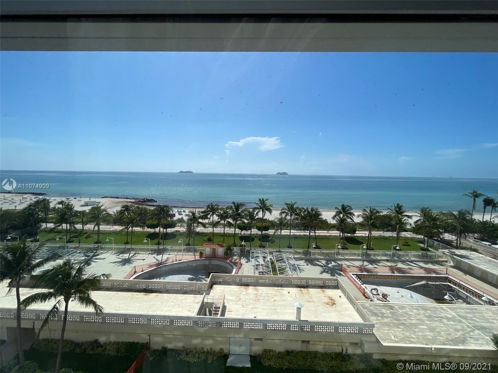 2899 Collins Ave #835 photo02