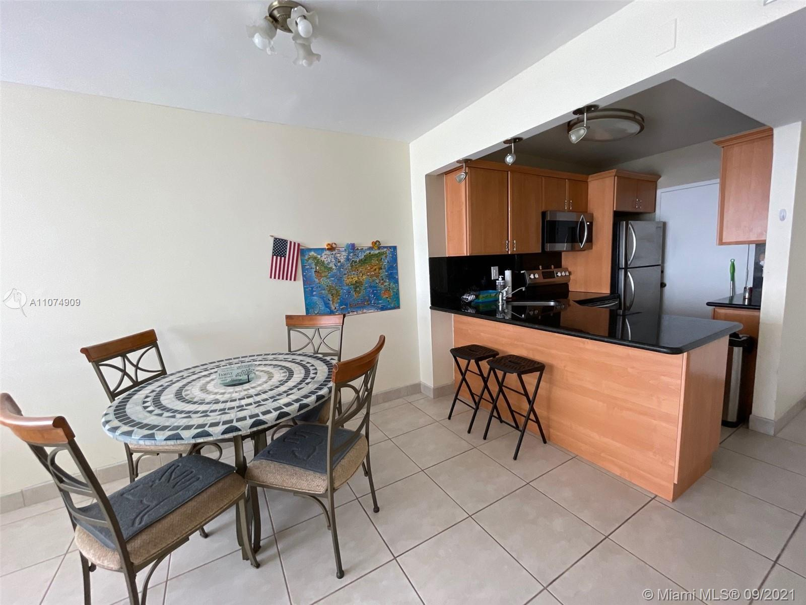 2899 Collins Ave #835 photo07