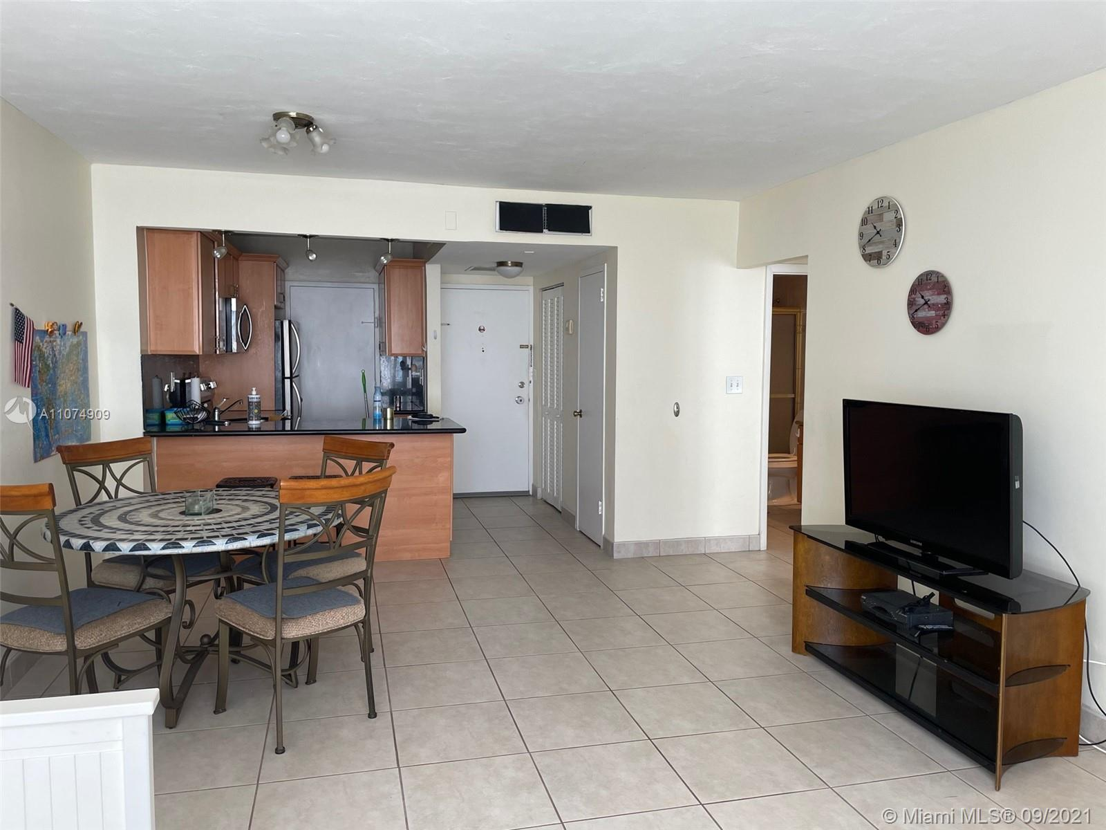 2899 Collins Ave #835 photo05