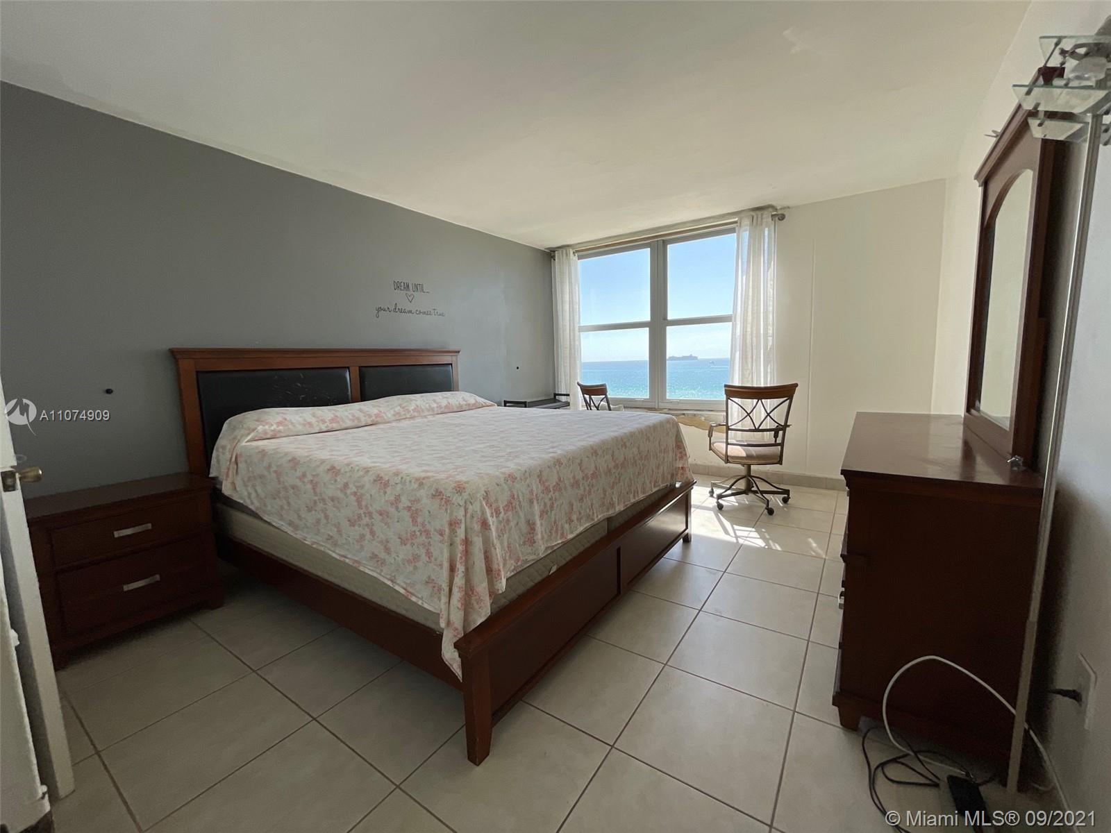 2899 Collins Ave #835 photo09