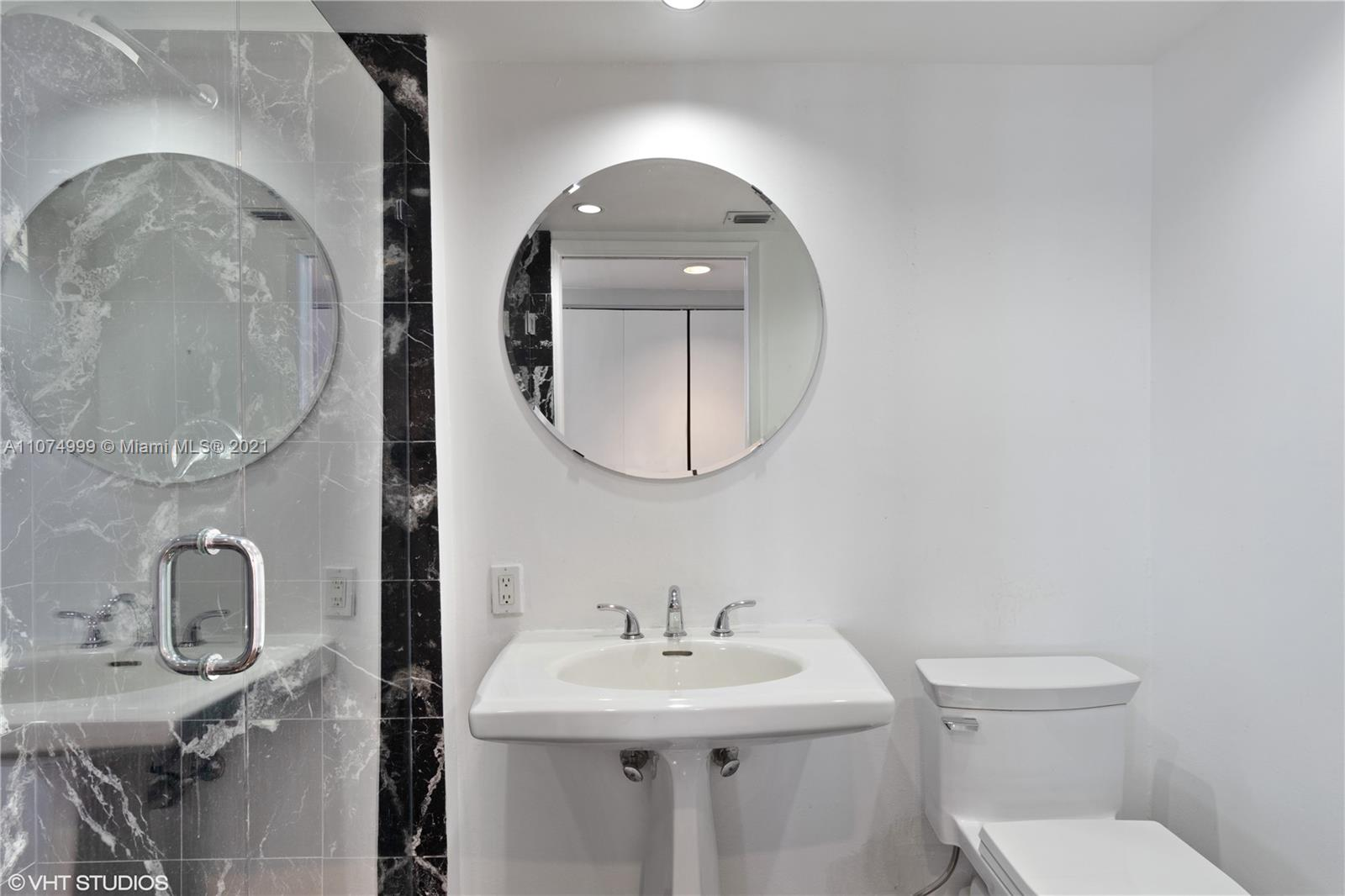 Photo of Mystic Pointe Tower 300 Apt 606