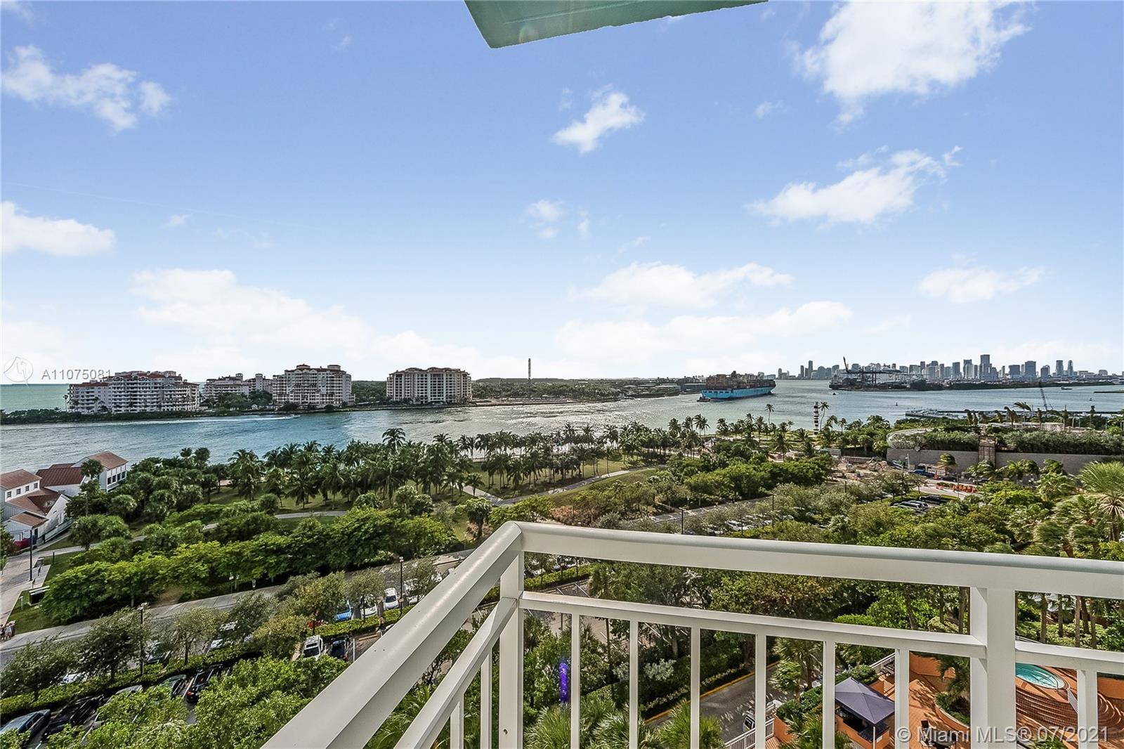 South Pointe Tower #1005 - 400 S Pointe Dr #1005, Miami Beach, FL 33139