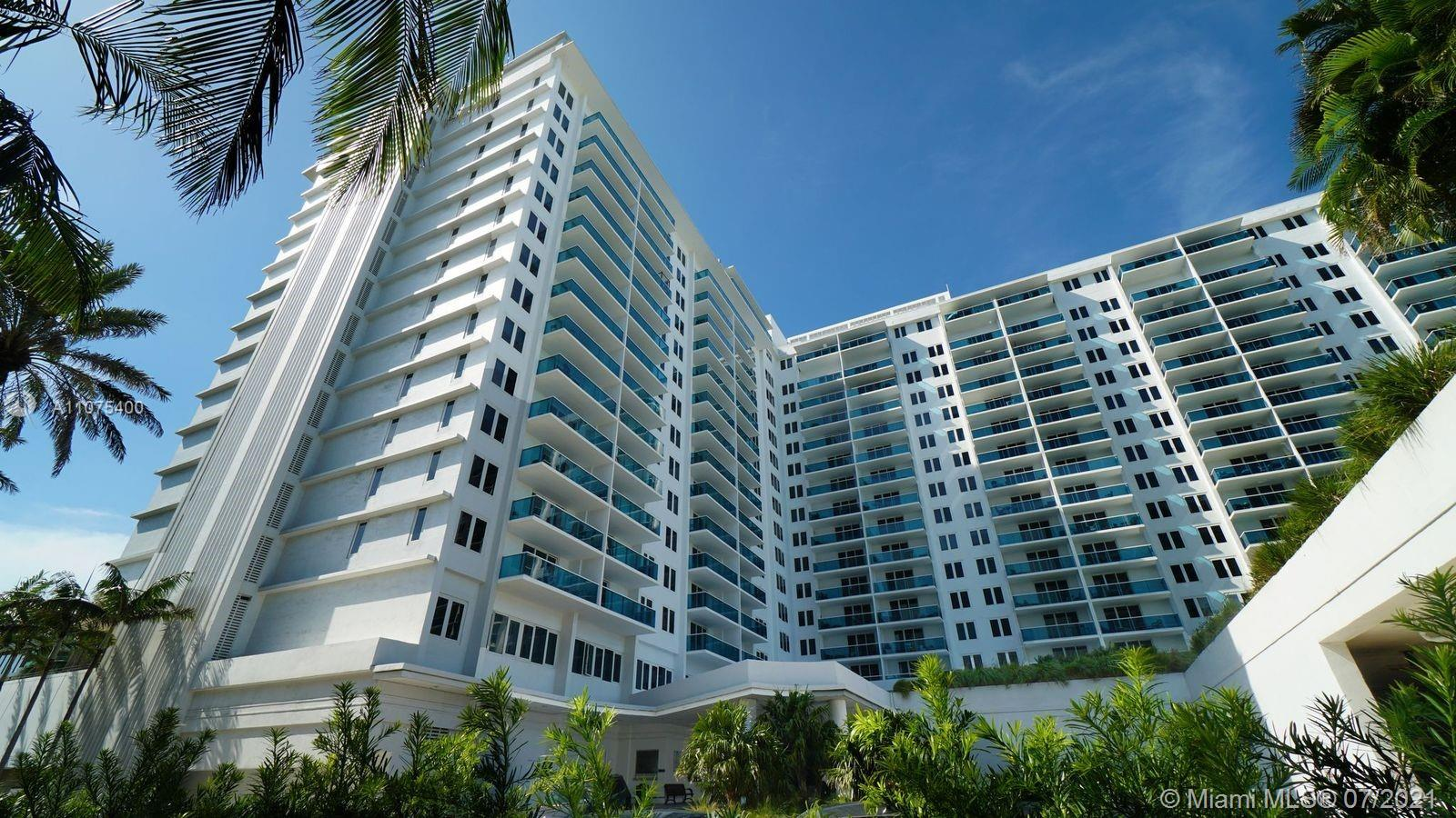 2301 Collins Ave #432 photo02