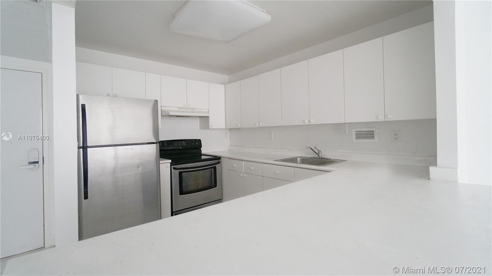 2301 Collins Ave #432 photo016