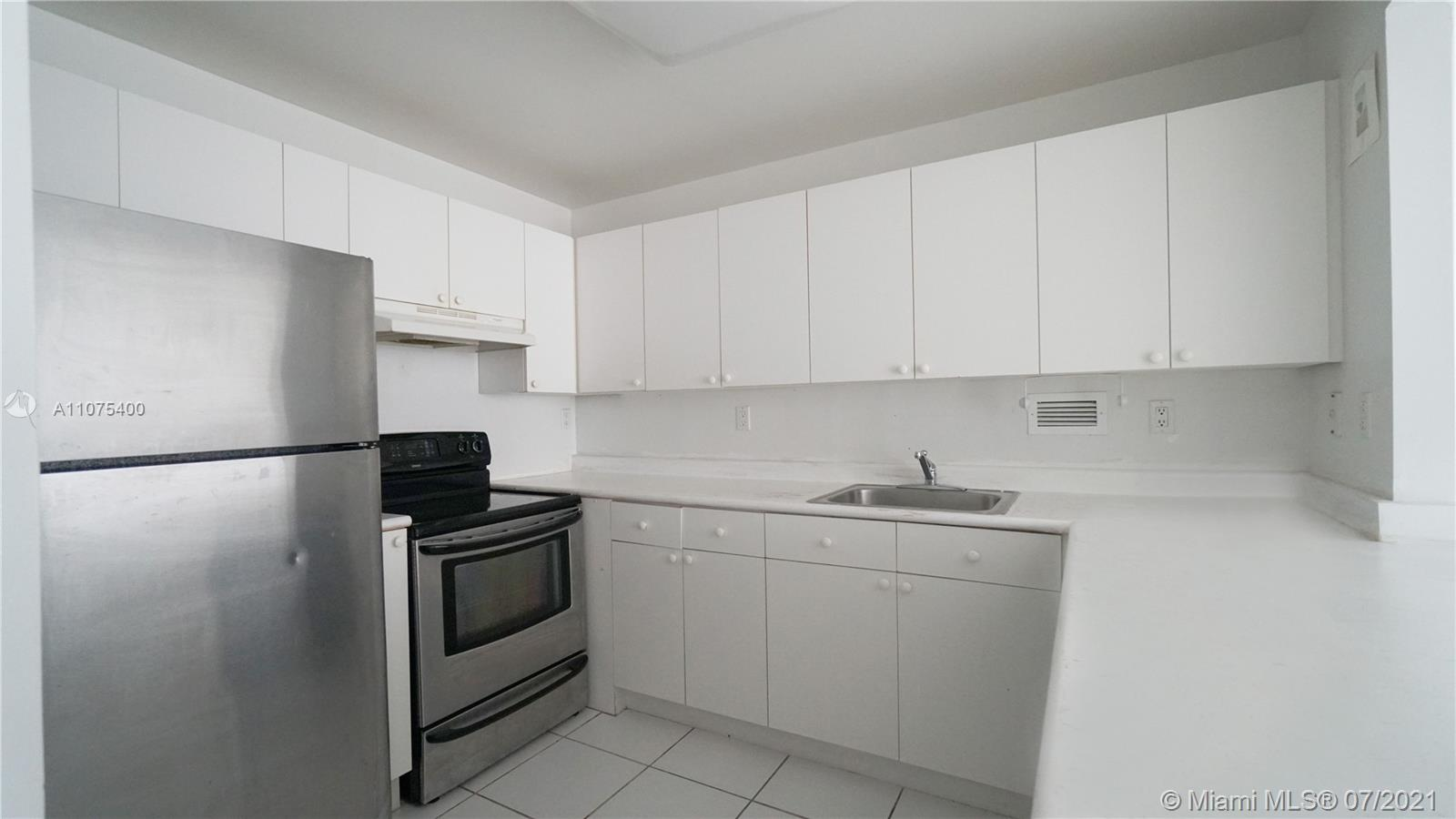 2301 Collins Ave #432 photo07