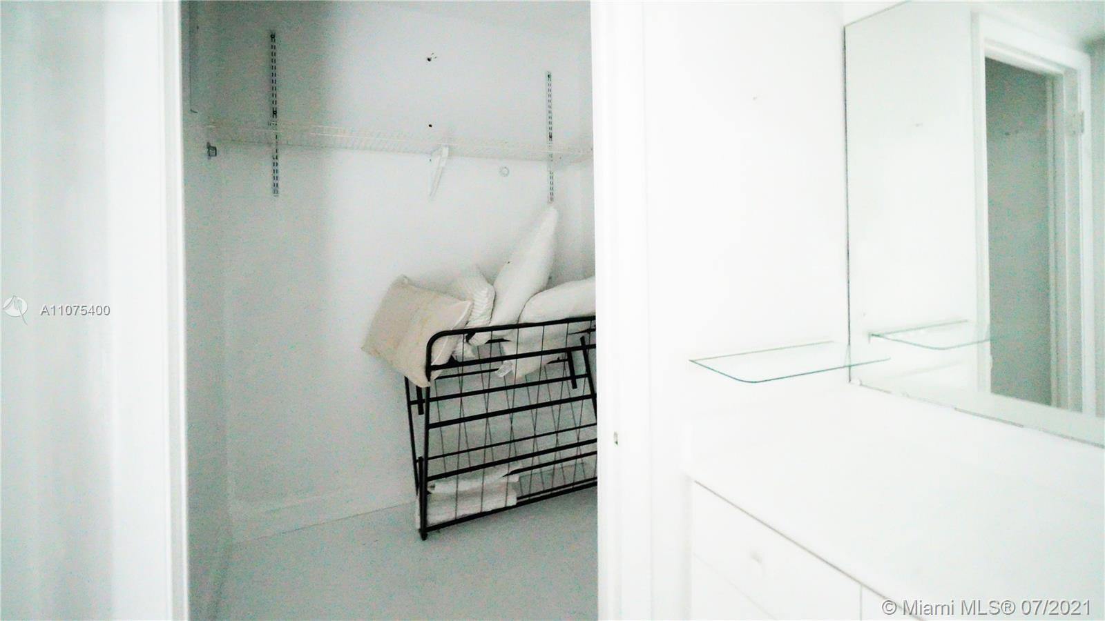 2301 Collins Ave #432 photo09