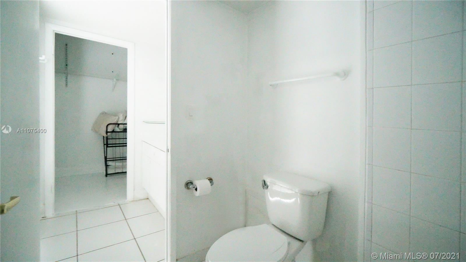 2301 Collins Ave #432 photo08