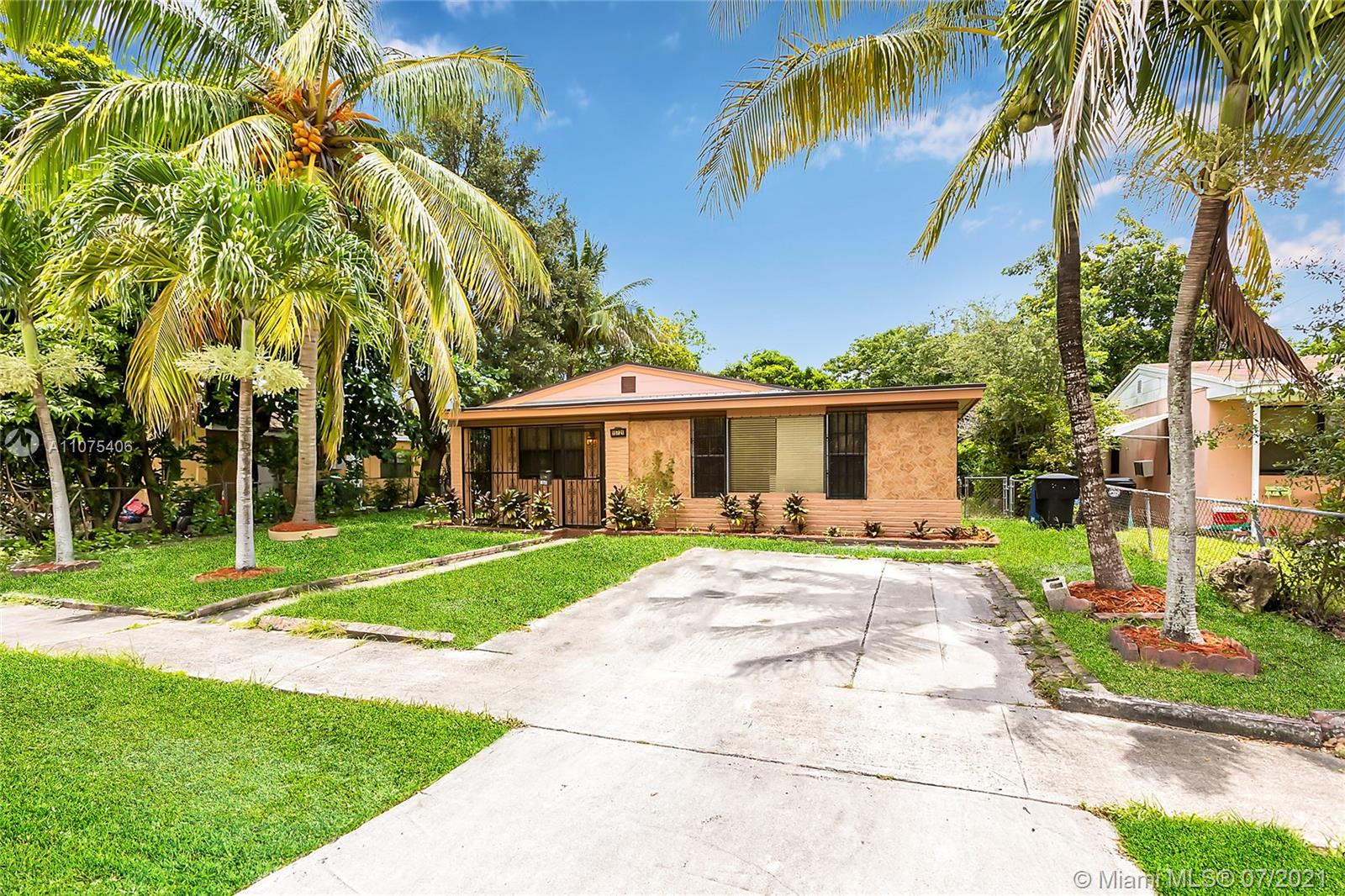 North Miami Beach - 15721 NE 15th Pl, North Miami Beach, FL 33162