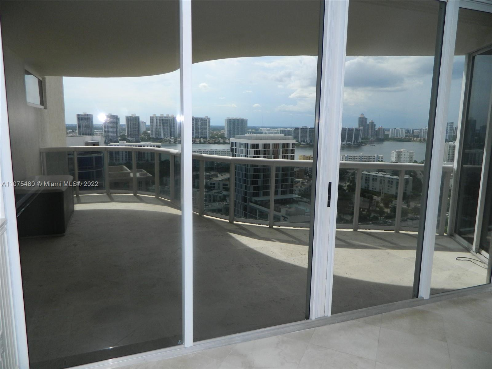 17555 Collins Ave #2403 photo010
