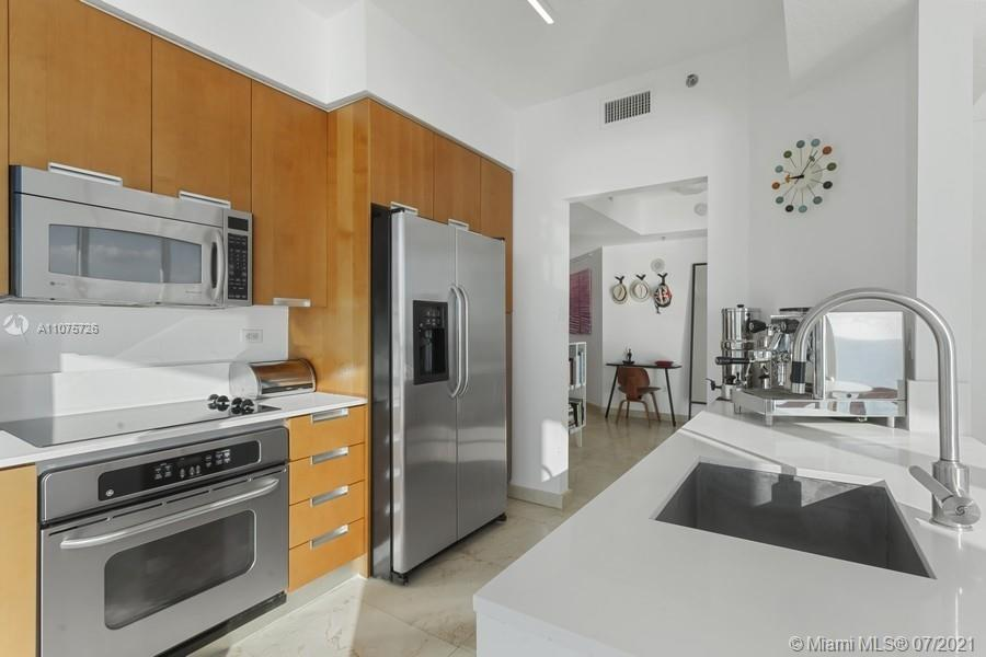 6515 Collins Ave #1003 photo07