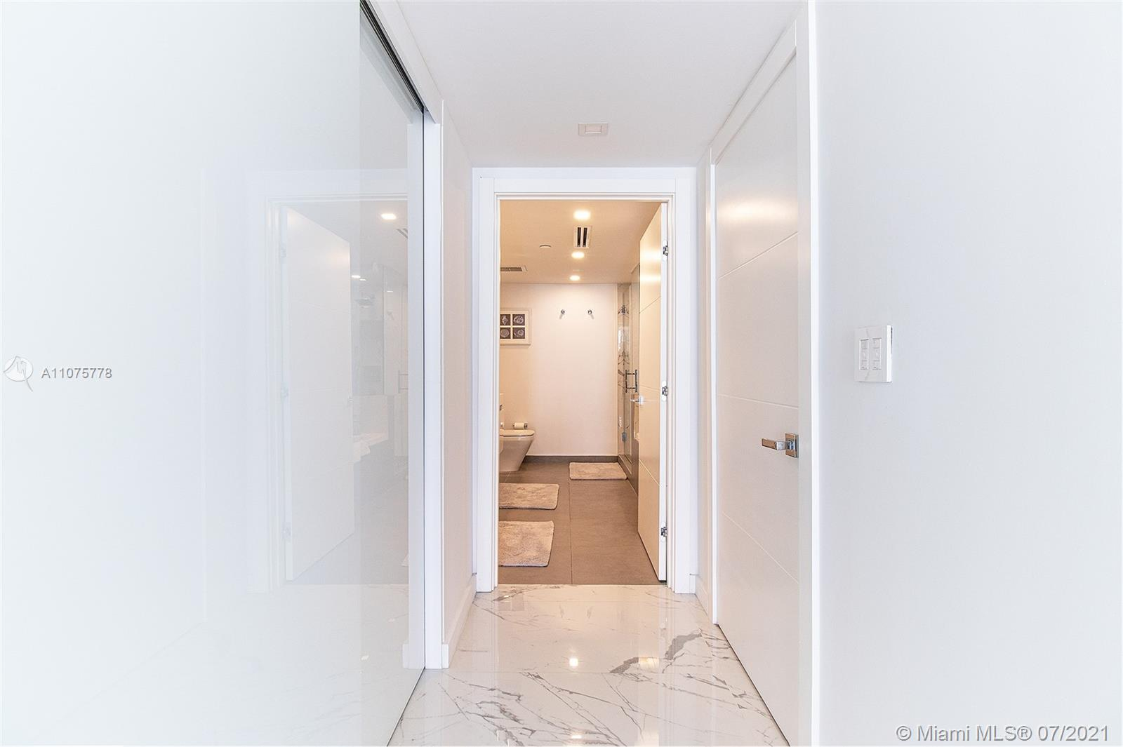 17375 Collins Ave #701 photo038