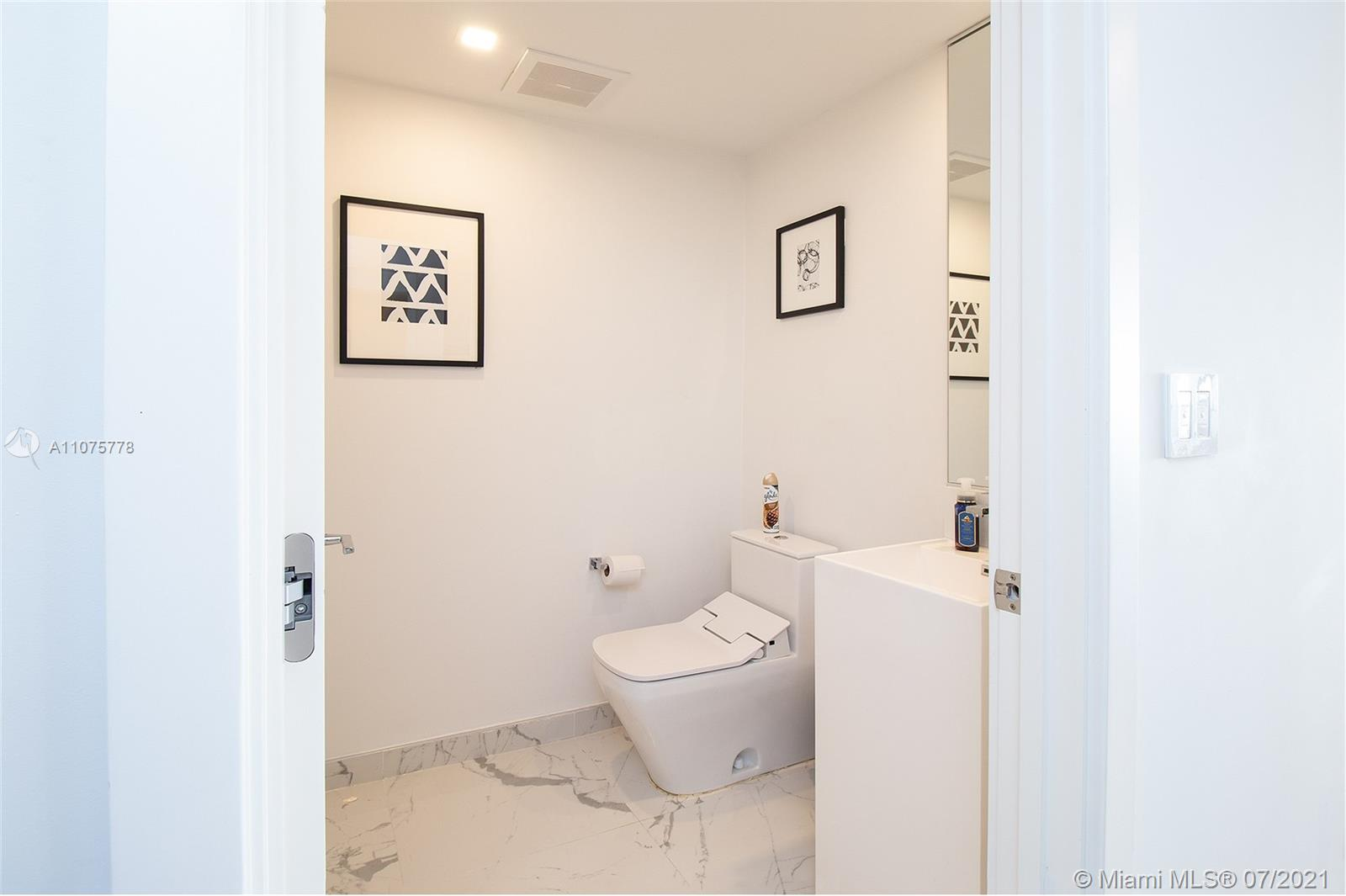 17375 Collins Ave #701 photo015