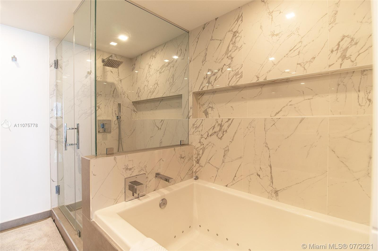 17375 Collins Ave #701 photo040