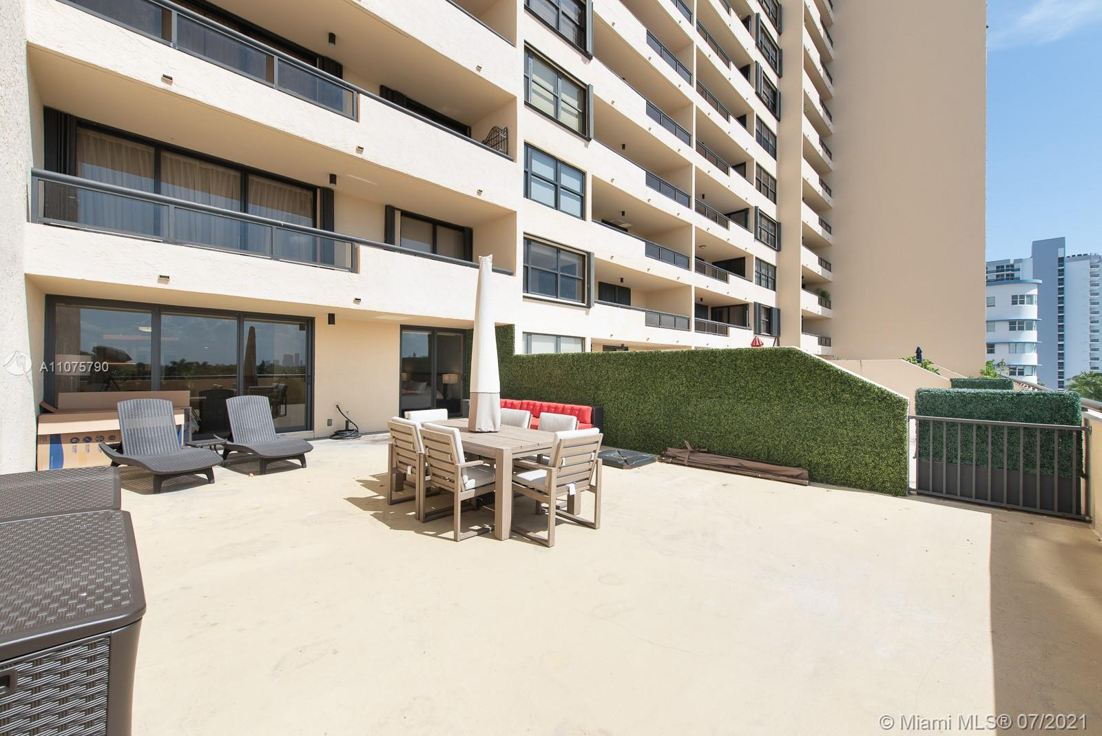 2555 Collins Ave #604 photo07