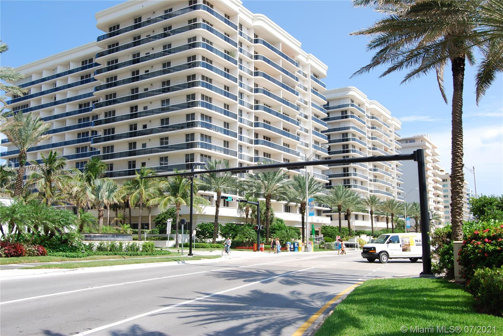 9559 Collins Ave #S4-F photo02