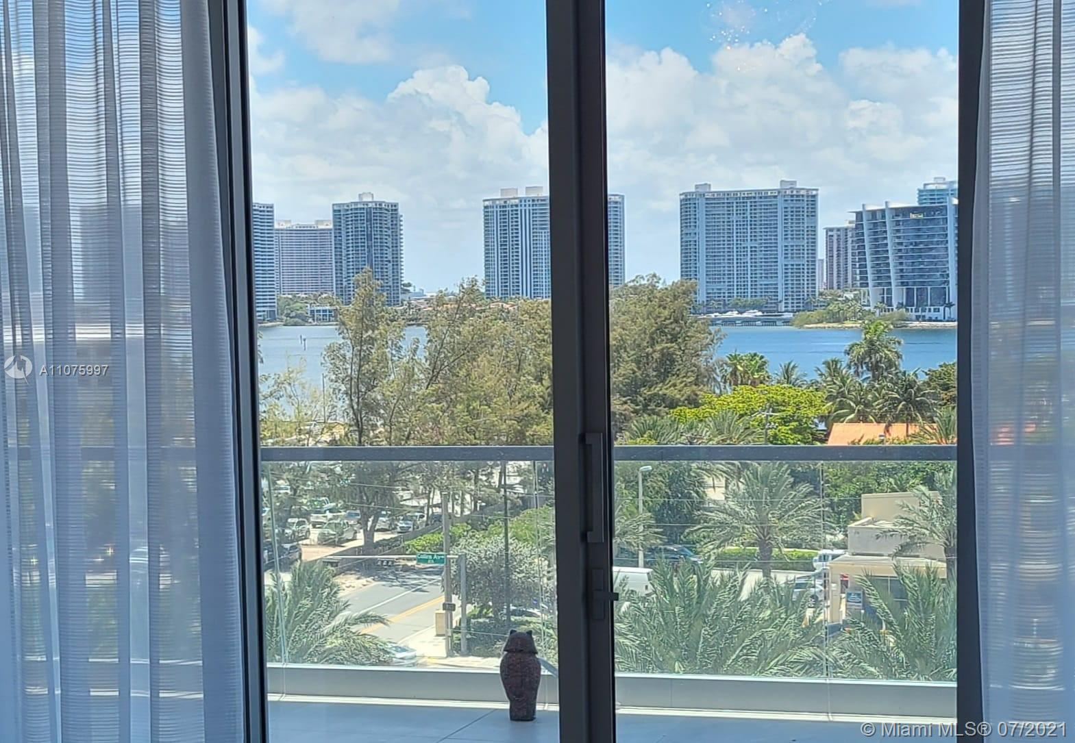 18501 Collins Ave #501 photo021