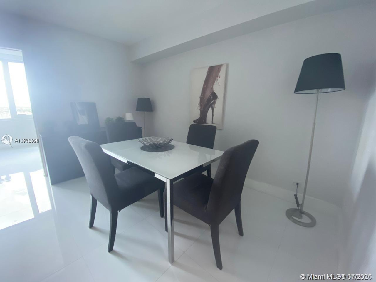 2301 Collins Ave #1028 photo01
