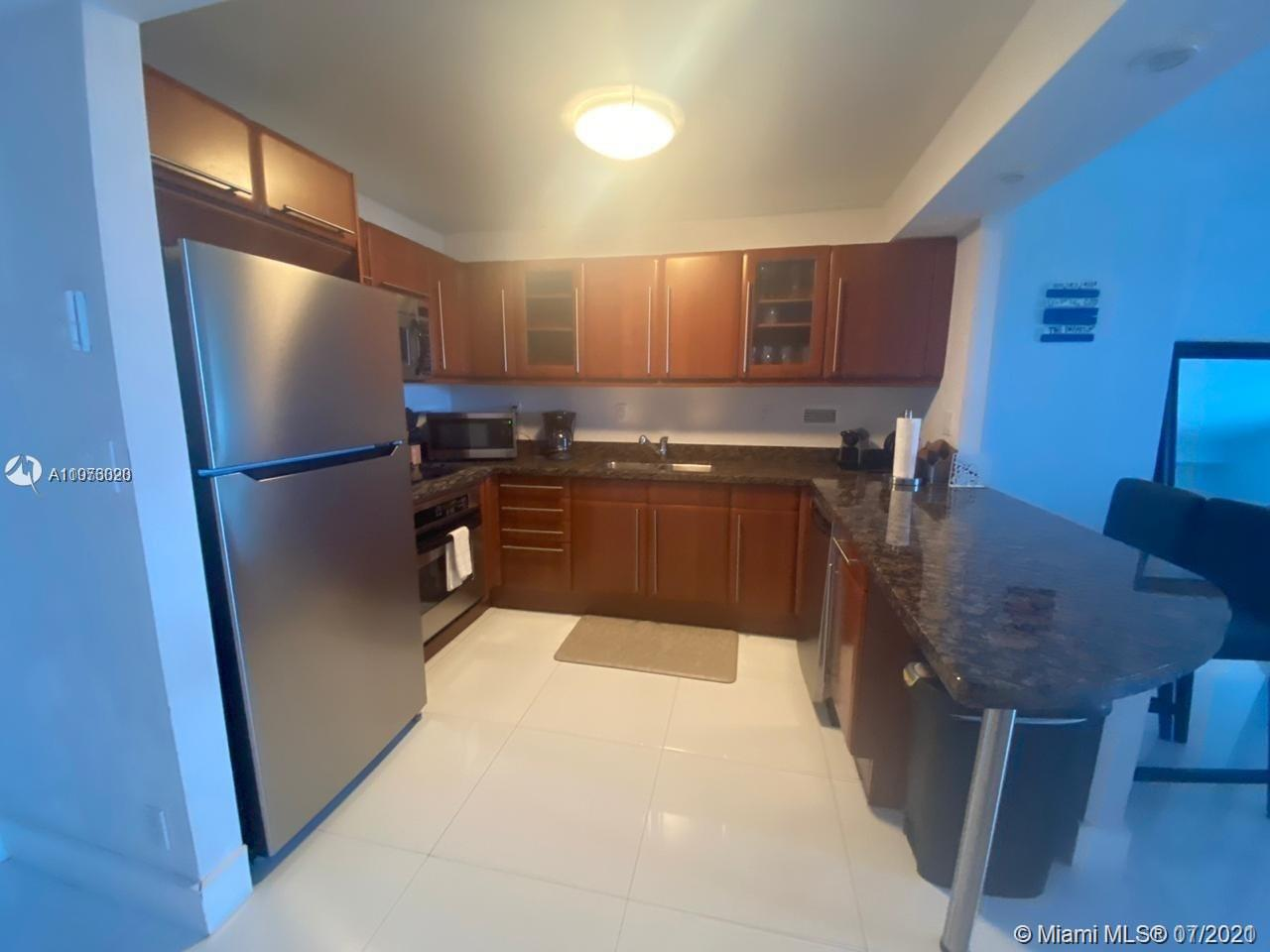 2301 Collins Ave #1028 photo04