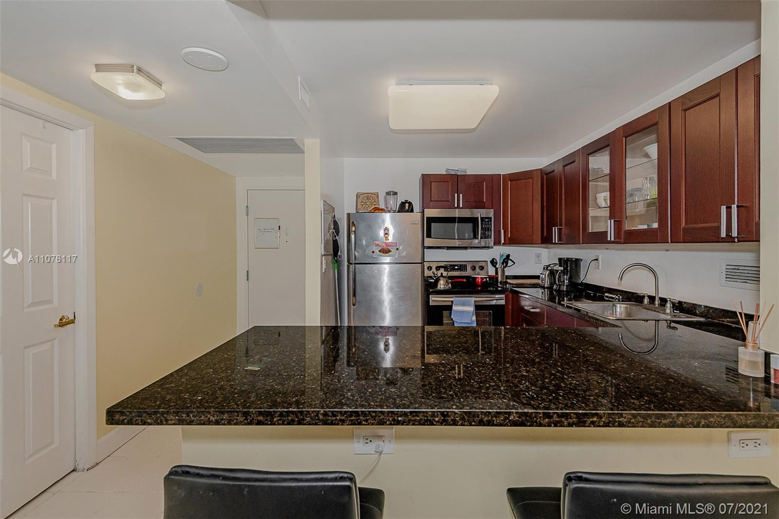 2301 Collins Ave #330 photo027