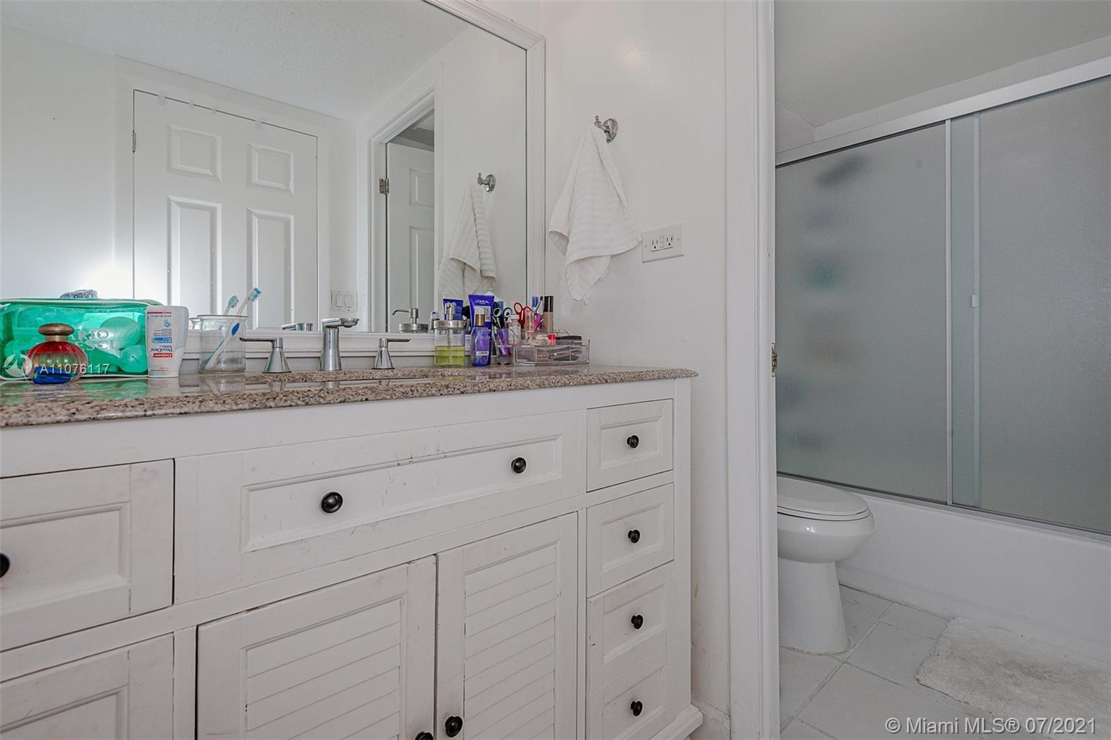 2301 Collins Ave #330 photo031
