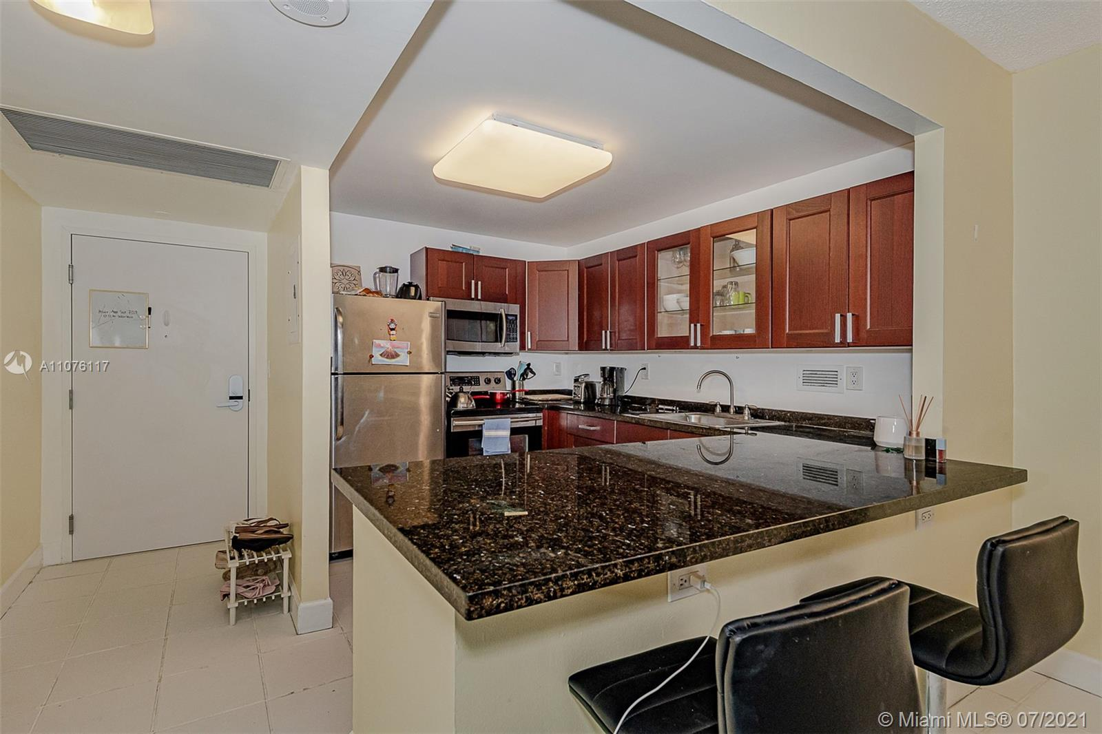 2301 Collins Ave #330 photo025