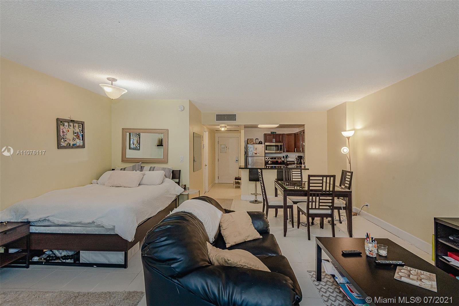 2301 Collins Ave #330 photo021
