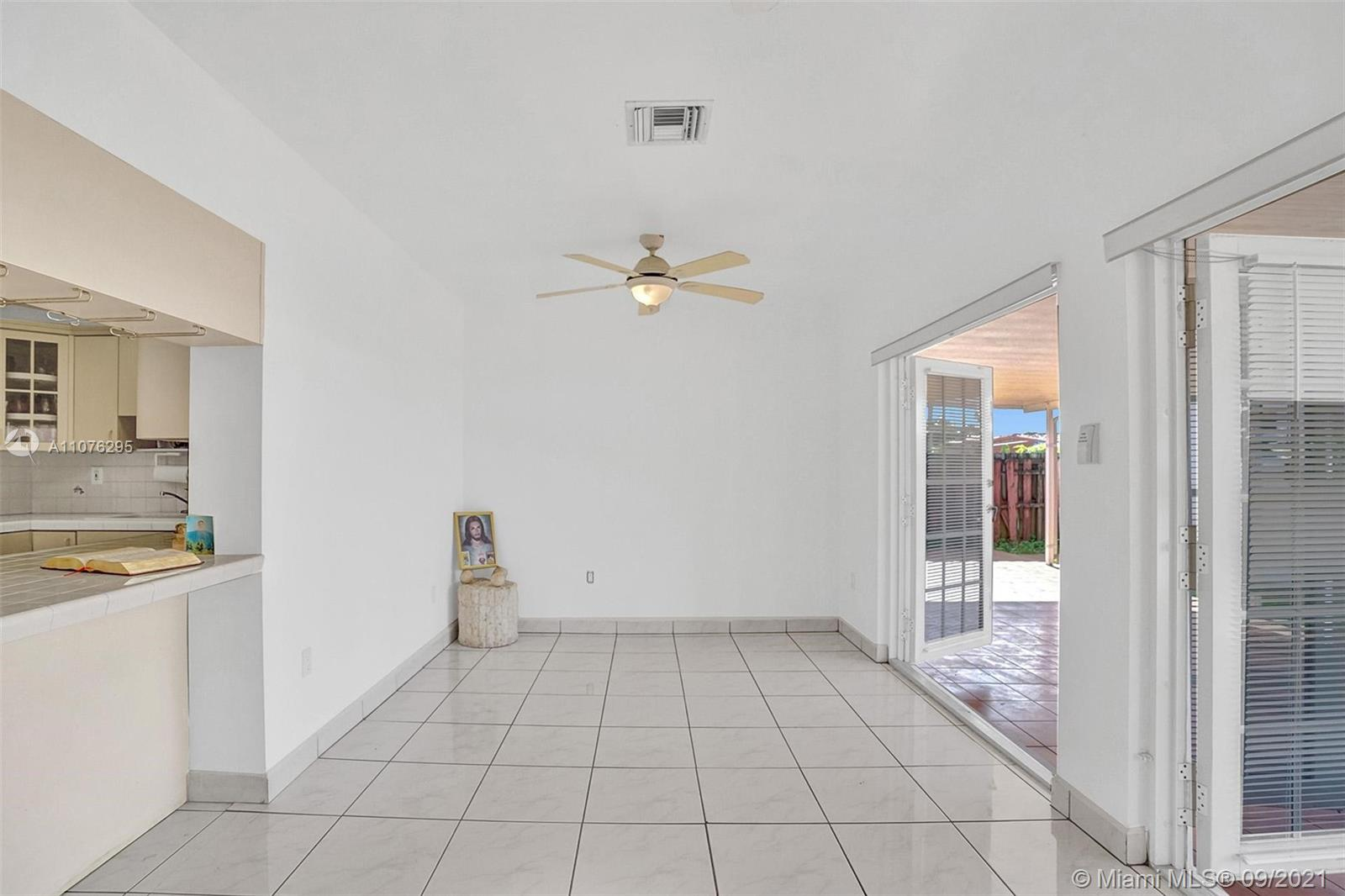 Photo of 330 W 48th St, Home