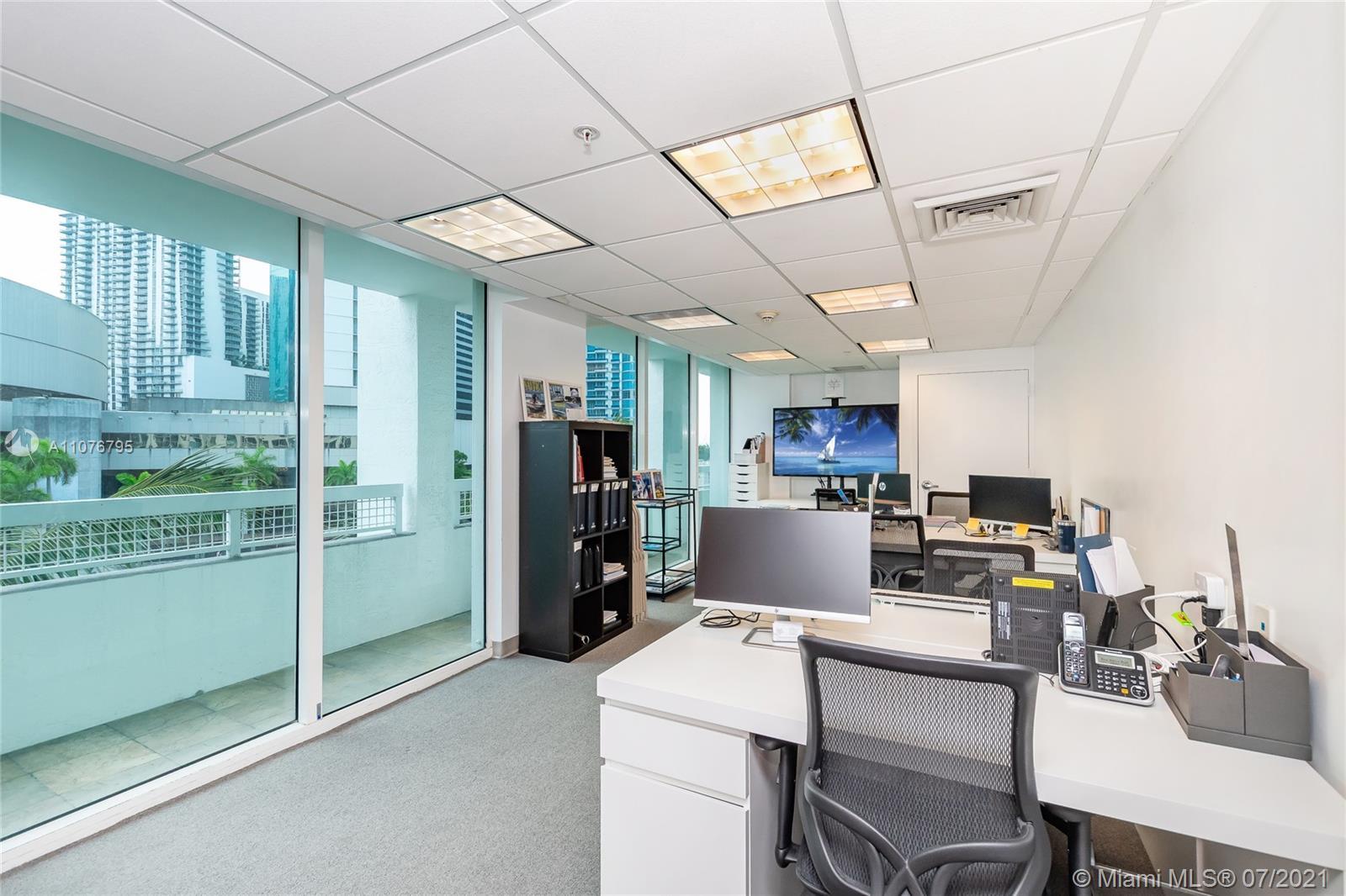 Brickell on the River North Tower #CU-403 - 31 SE 5th St #CU-403, Miami, FL 33131