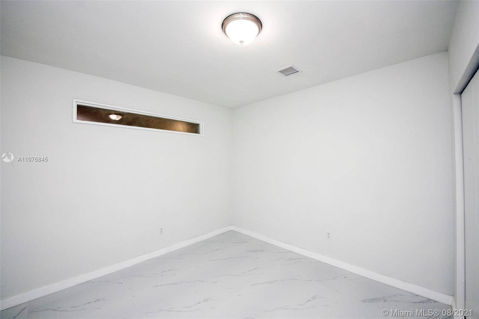 Photo of 4250 SW 6th St, Home