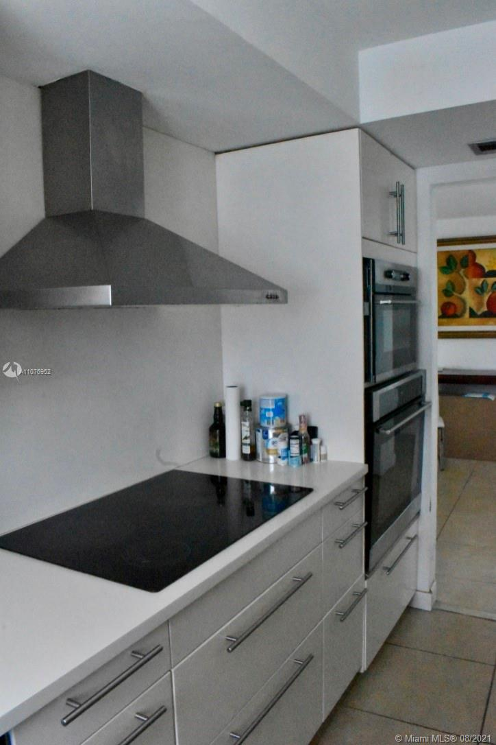 6039 Collins Ave #1528 photo09