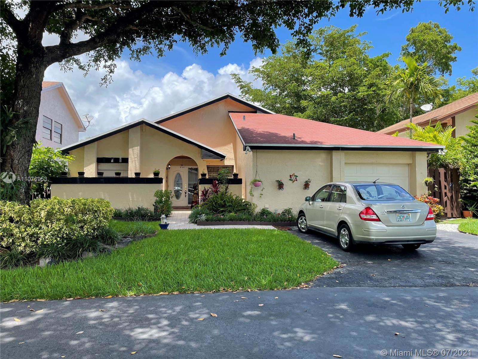 Lakes Of The Meadow - 14725 SW 42nd Ln, Miami, FL 33185